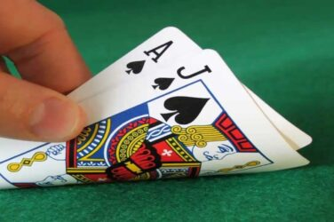 Fond de premii de 1000 RON zilnic la blackjack live