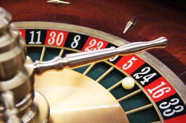 Pariaza 10 RON si castiga 100 RON bonus la ruleta